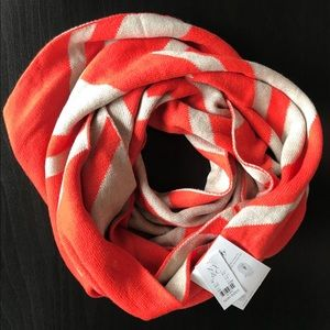 NWT NY&Co Chevron Striped Infinity Scarf